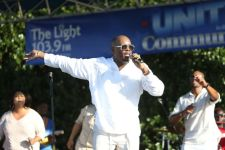 Dr. Larry Reid performs at Unity In the Community