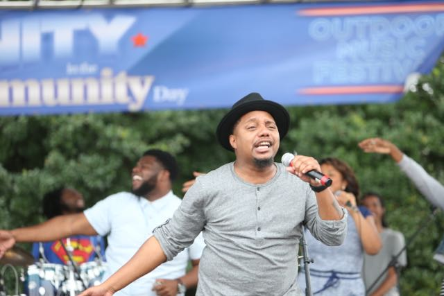 Deon Kipping performs at Unity In the Community