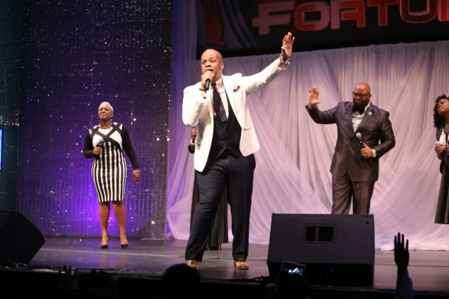 James Fortune at Lamplighter Awards 2015