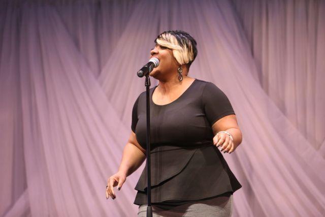 Anita Wilson Performs At the Lamplighter Awards 2015
