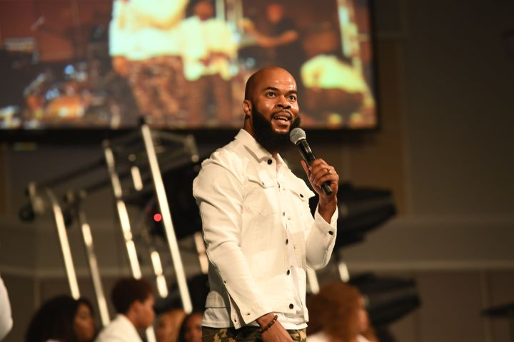 """""""You Deserve It"""" – J.J. Hairston and Youthful Praise"""