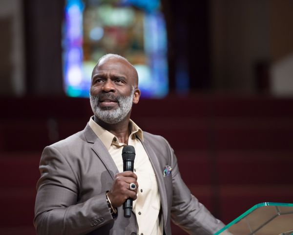 BeBe Winans Visits The House of Hope Atlanta